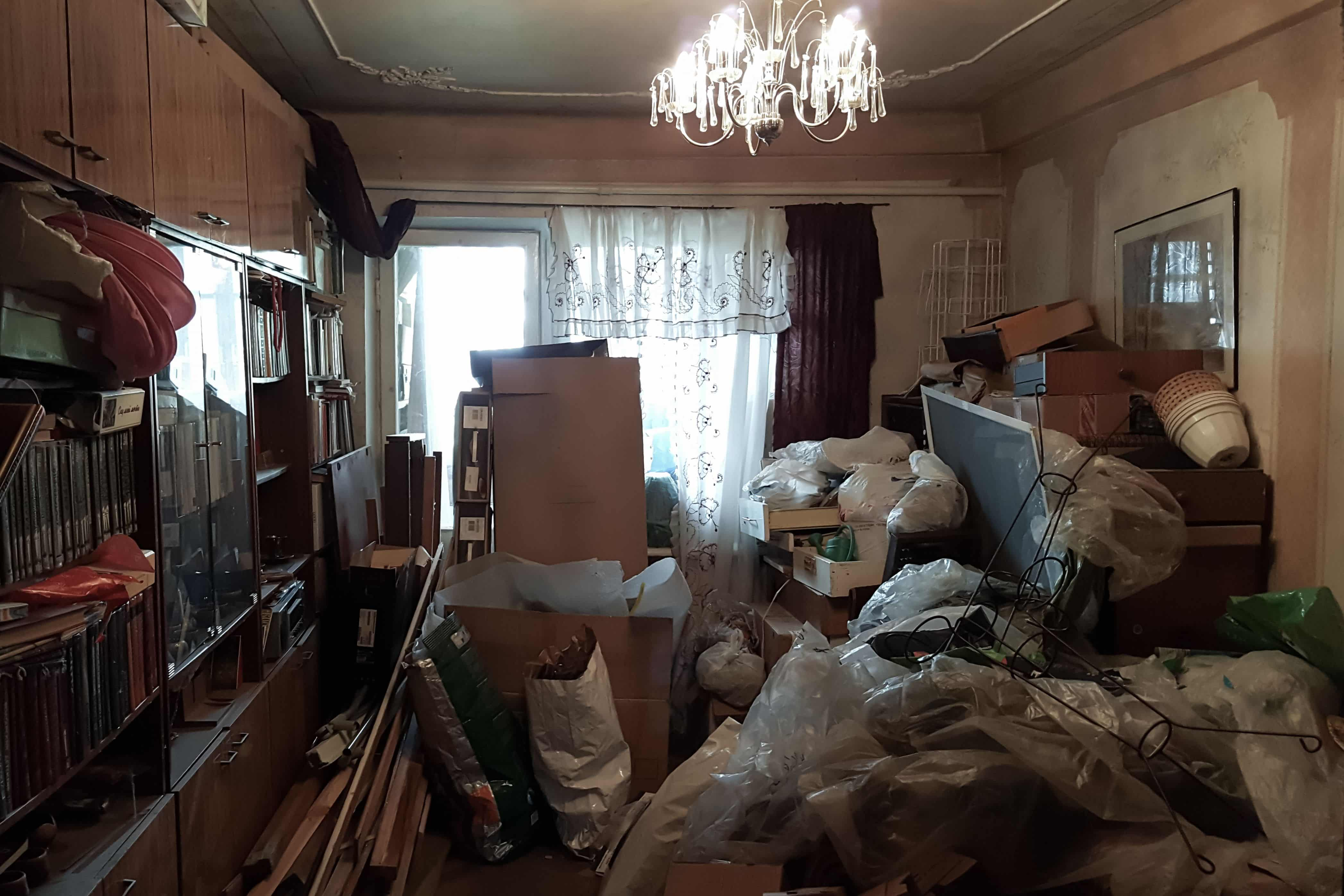 Effective Ways to Stop Hoarding Today